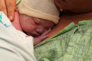 skin to skin after childbirth